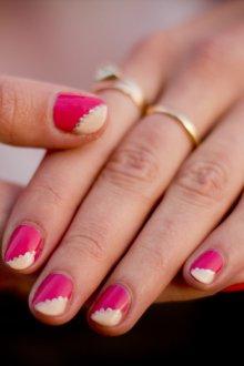 Диагональный маникюр на короткие ногти