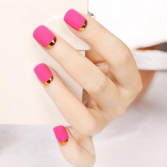 Маникюр на короткие ногти розовый