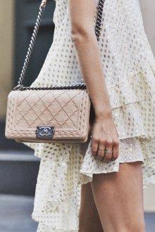 Бежевая сумка Chanel