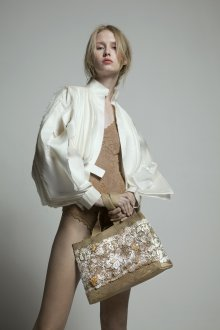 Бежевая сумка текстильная