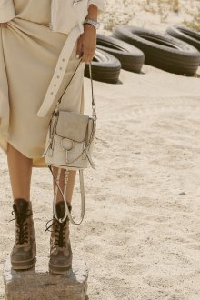 Маленький рюкзак бежевый