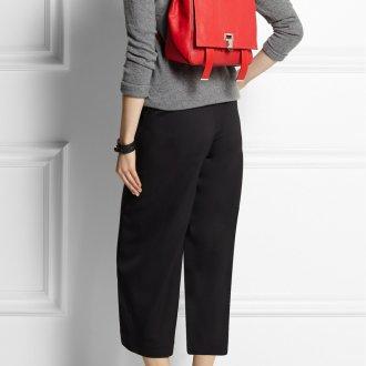 Маленький рюкзак из красной кожи