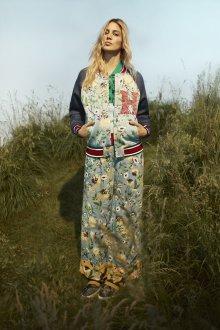 Одежда с цветами Tommy Hilfiger