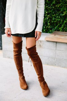Ботфорты без каблука из коричневой замши