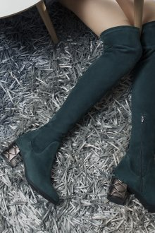 Ботфорты на устойчивом каблуке зеленые