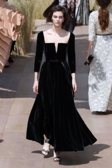 Черное бархатное платье dior 2020