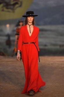 Красное платье Dior 2019