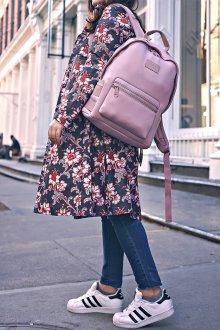 Розовый рюкзак классический
