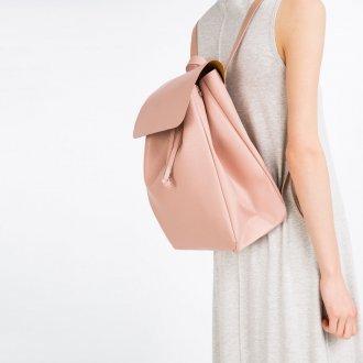 Розовый рюкзак из кожи