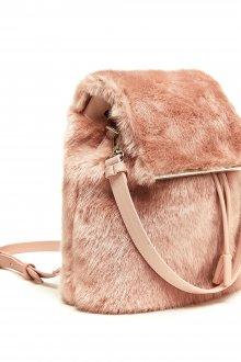 Розовый рюкзак меховой