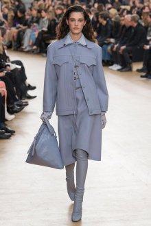 С чем носить ботфорты голубые