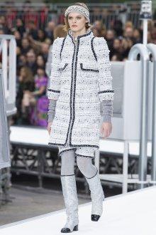 Белый костюм Шанель 2019