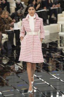 Шанель 2019 пальто