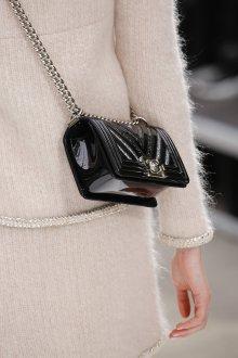 Шанель 2019 сумка лаковая