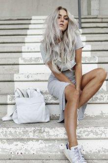 Серый рюкзак светлый