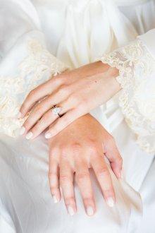 Свадебный маникюр 2019 белый