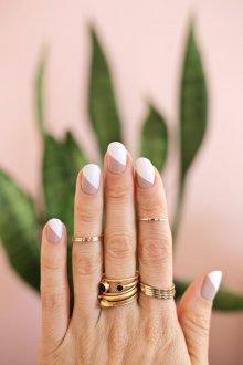 Свадебный маникюр 2019 двухцветный