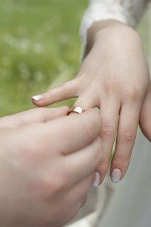 Свадебный маникюр 2019 градиентом