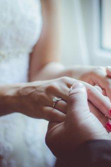 Свадебный маникюр 2019 однотонный