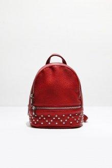 Красный рюкзак с металлическим декором
