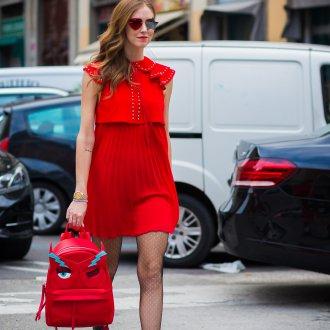 Красный рюкзак оригинальный