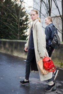 Красный рюкзак повседневный
