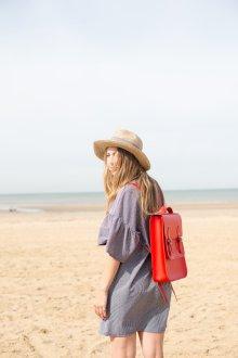 Красный рюкзак ранец