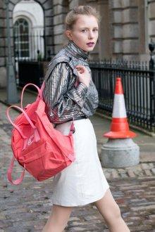 Красно-розовый рюкзак