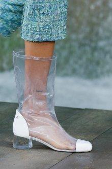 Широкие сапоги Chanel