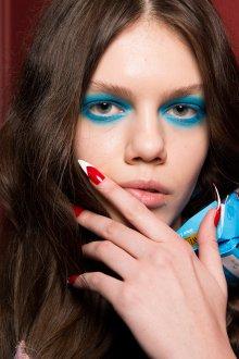 Синий макияж 2019
