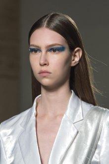 Синий макияж футуристический