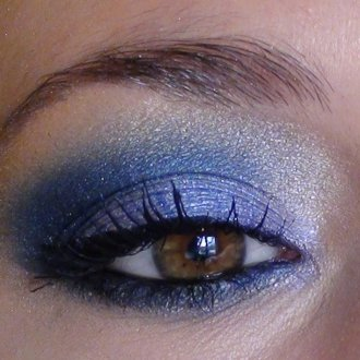 Синий макияж перламутровый