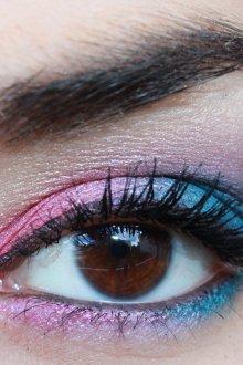 Сине-розовый макияж