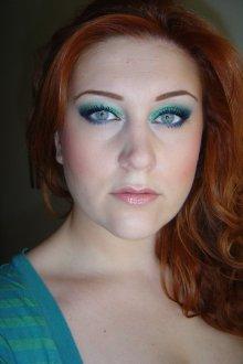 Синий макияж для рыжих