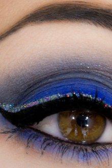 Синий макияж со стрелками