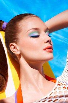 Синий макияж трехцветный
