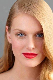 Естественный красный макияж