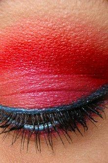 Красный макияж на хэллоуин