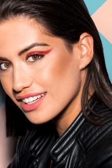 Красный макияж для карих глаз
