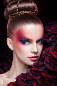Красный макияж на праздник