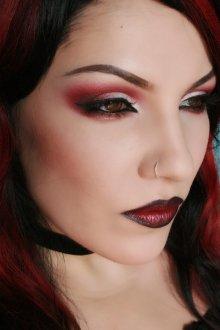 Красный макияж для рыжих