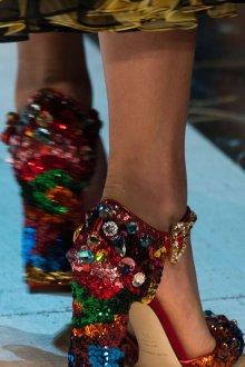 Дольче габбана 2019 декор на туфлях