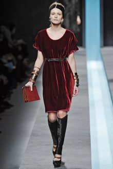 Коктейльное платье 2020 бархатное