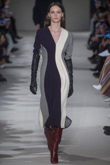 Платье зима 2018 асимметричное