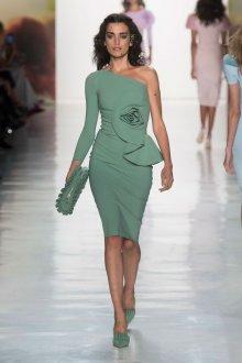 Платье для женщины 40 лет асимметричное