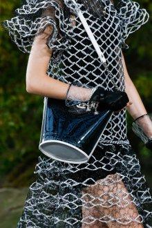 Бренды сумок Chanel пластиковая