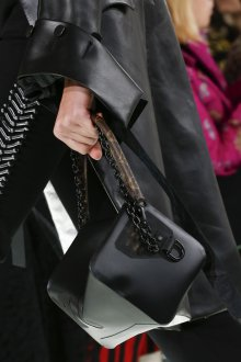 Бренды сумок Louis Vuitton черная