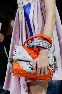 Бренды сумок Valentino оранжевая
