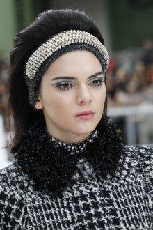 Макияж бровей Chanel