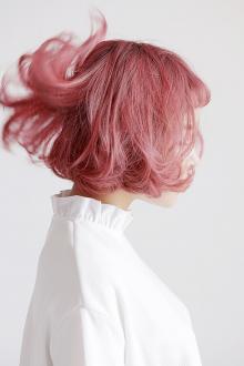 Мелирование 2019 в розовый на короткие волосы